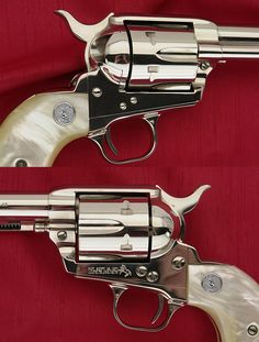 COLT SAA 3RD GENERATION - .45 REVOLVER 7-1/2 BARREL NICKEL WITH PEARL GRIPS - Picture 4