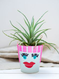 DIY-Blumentopf mit Gesicht aus upcycelten Konservendosen Masking Tape, Bunt, Planter Pots, Rice Paper, Diy Flowers, Tape, Recyle, Face, Repurpose