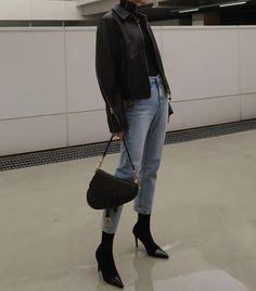 Look Fashion, Korean Fashion, Winter Fashion, Fashion Outfits, Fashion Weeks, Milan Fashion, Leather Jacket Outfits, Lambskin Leather Jacket, Leather Jackets