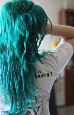 [–]VahnyaSlightly wavy, teal, mid-back length 12 points 8 hours ago Punky colour Alpine Green Mixed with Punky Colour Turquoise.