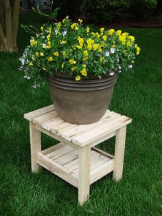 Recycled potted plant table from pallet #DIY