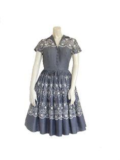 1950s Dress / 50s Day Dress / Grey Garden