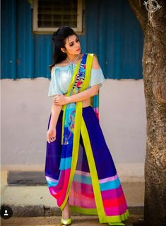 Latest Collection of Saree & Blouse Designs in the photo gallery. Saree & Blouse styles from India's Top Online 🛒Shopping Sites. Dress Indian Style, Indian Dresses, Indian Outfits, Stylish Sarees, Stylish Dresses, Fashion Dresses, Saree Fashion, Saree Draping Styles, Saree Styles