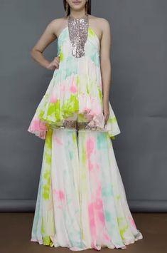 Buy Tie-Dye Kurta Sharara Set by Akanksha Gajria at Aza Fashions Designer Party Wear Dresses, Kurti Designs Party Wear, Indian Designer Outfits, Indian Outfits, Pakistani Dresses Casual, Indian Gowns Dresses, Pakistani Dress Design, Stylish Dresses, Fashion Dresses