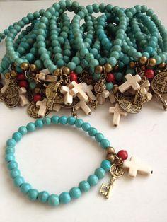 Coolest DIY Bracelets Ideas For Everyone Boho Jewelry, Jewelry Crafts, Beaded Jewelry, Jewelery, Jewelry Bracelets, Jewelry Design, Women Jewelry, Fashion Jewelry, Cross Bracelets