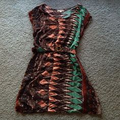 Anthropologie. Mine tunic with belt. Sz M but runs like a S. From clean and smoke free home! Anthropologie Dresses