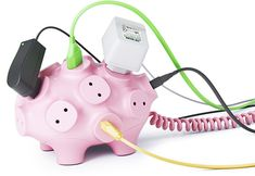 Ack! So cute! Pig power strip. Kinda like the piggy USB ports.