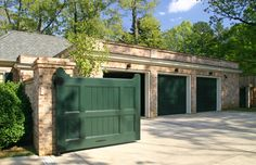 Motor Court Gates and Garage - Menzer McClure Architects