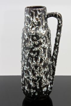 SCHEURICH KERAMIK HANDLED VASE, WITH VOLCANIC 'FAT LAVA' DRIP GLAZE, 275-28 DESIGNED BY HEINZ SIERY, WEST GERMANY CIRCA 1960′S