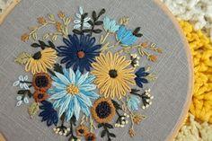 Ramo floral bordado aro Art flores azules y por IttyBittyBunnies