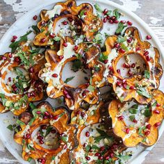 Autumn flavours 🍁🍂🎃 Maple roasted pumpkin with a creamy lemon tahini dressing, pistachios, parsley and the prettiest pomegranate arils ❤️Amanda Mackenzie   @amandaswholesomekitchen    (@amandaswholesomekitchen) • Instagram photos and videos