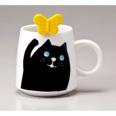 This cute cat mug from Japanese design company, Decole is great for anybody looking to brighten up their kitchen cupboards or lunch break! Comes with a little spoon for you to stir your drinks with.