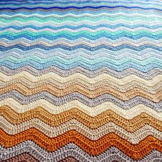 A seascape ripple blanket that was inspired by pictures of beautiful beaches. Made by Kathryn of Crafternoon Treats
