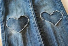 Heart patches for blue jeans Fabric Crafts, Sewing Crafts, Sewing Projects, Bee Crafts, Diy Clothing, Sewing Clothes, How To Patch Jeans, Techniques Couture, Denim Ideas
