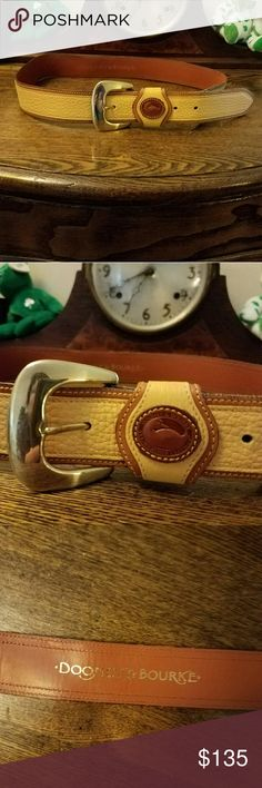 """vintage PALOMINO DOONEY & BOURKE BELT ONLY RARE RARE RARE FIND  vtg DOONEY AND BOURKE Authentic belt in rare Palomino AND hard to find size large. Remember these belts were meant to sit at the natural waist. Please take into consideration where the waist line/rise of your jeans sit and measure accordingly.   I wear a size 29/8  with a mid rise and this fits me on the second hole from the largest. This is in excellent vintage condition  Total length of belt, 41 """". Shoes NOT included Dooney…"""