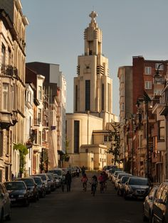Saint Augustine church, Place de l'Altitude Cent / Hoogte Honderdplein (a square named due to its altitude one hundred meters above sea level), in an Art Deco style. Brussels, Belgium