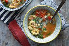 easy weeknight soup ~ Spinach Tortellini Soup // shutterbean.com #familyfriendly