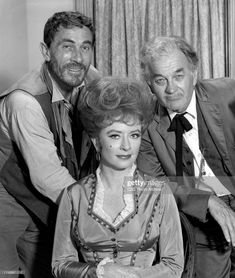 Ken Curtis, Hollywood Pictures, Miss Kitty, Tv Westerns, Cast Member, Old Tv Shows, Still Image, Stock Pictures, Royalty Free Photos