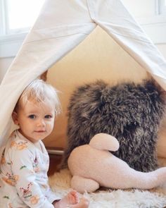 Once your little one is sitting up independently, it is the perfect time to introduce a play tent to their world. A tent allows your child to create a private hideaway or restful oasis all by themselves. Indoor Tents, Indoor Play, Winter Activities For Toddlers, Infant Activities, Kids Tents, Baby Boy Shower, Baby Showers, Montessori Materials, Baby Safe
