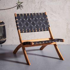 et de opvouwbare Kare Design Ipanema terrasstoel kun je in elk hoekje van de tuin de zon opzoeken! Je neemt de terrasstoel zó mee naar een andere plek. Of berg de stoel netjes weg in de schuur als je klaar bent met zonnen; opgevouwen neemt de terrasstoel weinig plaats in. Deck Chairs, Garden Chairs, Garden Furniture, Outdoor Furniture, Outdoor Lounge, Outdoor Chairs, Outdoor Decor, Kare Design, Outdoor Barbeque