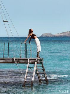 Joan Smalls photographed by Patrick Demarchelier, Vogue.