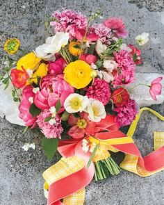 Spring Wedding Flowers We Love, Love, Love From Our Favorite Florists - Keep Hands Happy