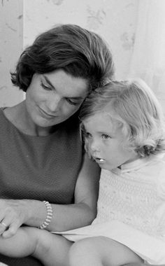 Jacqueline Kennedy Photographs: Jackie Kennedy Casual and Family Life Archive Los Kennedy, Caroline Kennedy, Jacqueline Kennedy Onassis, John F Kennedy, Sweet Caroline, Presidents Wives, Jaqueline Kennedy, John Junior, John Fitzgerald