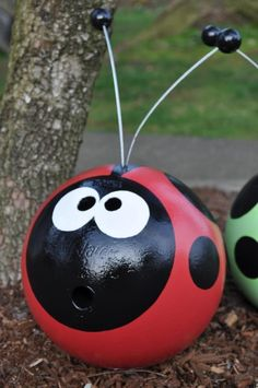 Recycled Bowling Ball: Cute for garden ornaments (The wind will not blow it away)! This takes you to a site to buy one for but I think I will keep my eye open for bowling balls at yard sales. Bowling Ball Garden, Bowling Ball Art, Garden Balls, Bowling Ball Crafts, Bowling Ball Ladybug, Ladybug Rocks, Ladybug Party, Bowling Pins, Lawn Ornaments