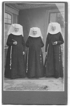 3 victorian nuns