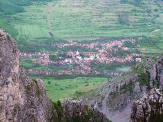 Rimetea_from_the_slope_of_Piatra_Secuiului
