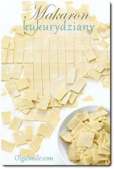 Makaron kukurydziany pokrojony jak łazanki kukurydziane to makaron bezglutenowy. Makaron kukurydziany wszyscy znają. Przepis na makaron kukurydziany i gryczany Pasta Recipes, Vegan Recipes, Vegan Food, Corn Pasta, Calzone, Foods With Gluten, Noodles, Gluten Free, Bread