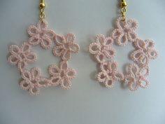 タティングレースで編んだお花のピアス