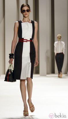 Vestido bicolor de Carolina Herrera, colección primavera 2012