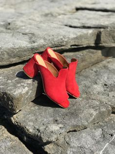 [New] The 10 All-Time Best Ideas Today (with Pictures) - Red is Love! Eureka Shoes, Red Shoes, E Design, Heeled Mules, Heels, Womens Fashion, Lifestyle, Popular, Pictures
