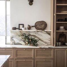 Home Interior Catalogo The Best Interior Design Trends for 2020 Interior Pastel, Interior Modern, Home Interior, Kitchen Interior, Design Kitchen, Kitchen Design Classic, Modern French Kitchen, Parisian Kitchen, Interior Shop