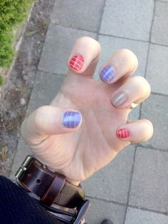 Nail challenge - 11. Stripes blue red nude nails