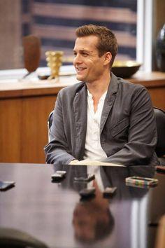 Gabriel Macht during set visit