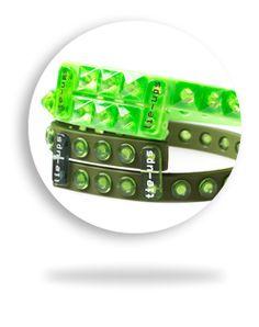 Coloratissimi, super easy, originali e divertenti! Sono i braccialetti moda di Tie-Ups ad un prezzo super promozionale! Solo 10 Euro!