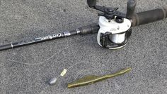 Todd Faircloth has a simple trick to make your Carolina rig bass fishing a lot less hassle. Bass Fishing Tips, Fishing Knots, Fishing Guide, Fishing Stuff, Fishing Lures, Australian Bass, Boat Battery, Bait Caster, Spinner Bait