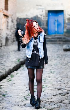 """Oversized Sahhnet T-shirt  – Boyfriends/ Leather mini skirt- She In/ Washed Denim vest Vest/ Black chunky booties/ """"Legend"""" bag – McQueen/ Round mirrored glasses (By Lua P)"""