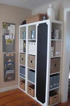 i love ikea! and I especially love seeing how people use ikea products and turn them into something individual. 3 bookcases from Ikea - one turned sideways & painted w/ chalkboard paint. Ikea Expedit Shelf, Ikea Regal Expedit, Kallax Regal, Ikea Kallax, Expedit Bookcase, Bookcases, Bookshelf Storage, Office Storage, Bookshelf Ideas