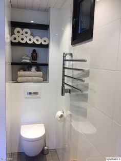 kylpyhuone,wc,valkoinen,hylly,seinähylly Toilet, House, Bathrooms, Flush Toilet, Home, Bathroom, Full Bath, Toilets, Bath