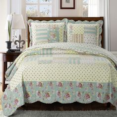 Elegant and Contemporary Annabel Reversible Quilt/Coverlet Bed in a Bag, Exquisite Bed Ensemble Includes Printed Oversize Quilt/Coverlet Set and Solid Sheet Set, Queen Bed Size Set Quilt Bedding, Bedding Sets, Bed Quilts, Floral Bedspread, Floral Quilts, Quilt Sets Queen, Sweet Home, Pillow Top Mattress, Thing 1