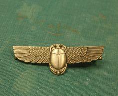 Pince à cheveux scarabée Egyptian revival barrette ailé en laiton antique retro bronze accessoire de coiffure de cadeau pour son art déco insecte Cléopâtre des années 1930