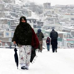 Whole #village buried by #avalanche in #Afghanistan & #Pakistan  http://www.abc.net.au/…/avalanche-heavy-snow-kill-d…/8242902