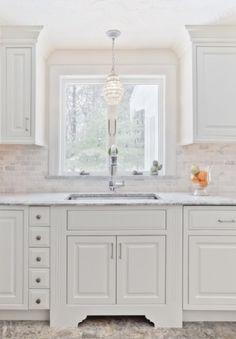 (White Kitchen traditional kitchen)