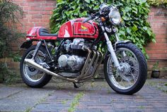 Having proved it works, this is the nearly finished article, a Honda RC03 Cafe Racer!