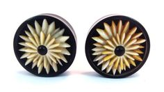 Pair-WOOD-Mother-PEARL-ABALONE-FLOWER-GAUGES-Plugs-Tunnels-Wooden-Carved-Organic