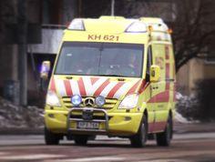 112 ain't no joke! Isot aplodit hatunnostot ja kunniamaininnat Kanta-Hämeen pelastuslaitoksen ambulanssihenkilöstölle! Eilinen toiminta hätätilanteessa oli uskomatyoman nopeaa ja asiantuntevaa. Kun huoli on suuri - juuri tällainen toiminta tuo turvallisen tunteen. Kiitos! (kuvan auto ei liity juttuun. ystäväni kotiutettiin eilen odottamaan jatko tutkimuksia) #ambulanssi #pelastuslaitos #kantahame #forssa #palolaitos #respect #t