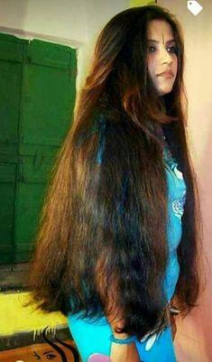 Wat a feasty fuck she could be Long To Short Hair, Long Black Hair, Super Long Hair, Braids For Long Hair, Beautiful Long Hair, Gorgeous Hair, Bollywood Hairstyles, Long Indian Hair, Hair Flow